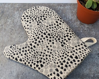 Black and Natural Floral Oven Mitt