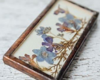 Vintage Handmade Dried and Pressed Floral Pin/Brooch