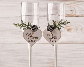 Winter Wedding Champagne Glasses White Toasting Flutes Christmas Wedding Toasting Glasses Wedding Champagne Flutes Bride and Groom Glasses