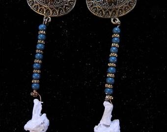 Claw earrings