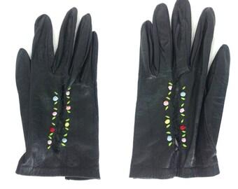 Vintage Black Leather Gloves - Size 6 // floral embroidered flower gloves retro rockabilly driving gloves