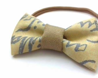 Girl's Headband. Baby Hairband. Chic Bow tie baby headband. Bow Tie Headband. Toddler Bow Tie Headband. Cotton Headband. Yellow Headband