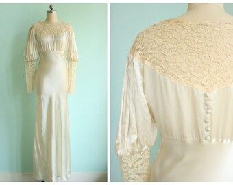 Vintage 1930s Ivory Silk and Lace Bias Cut Juliet Sleeve Wedding Gown | Size Small