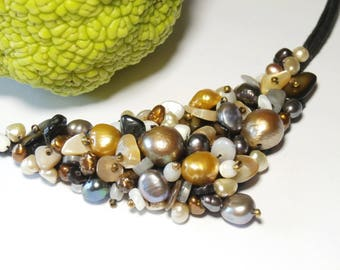 bib necklace cultured pearls and mother of Pearl