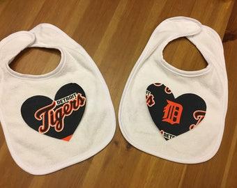 Detroit Tigers Heart Bib