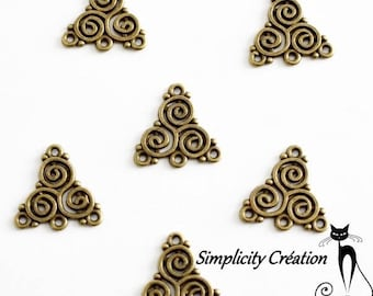 Connector spacer Celtic triangle bronze set of 5