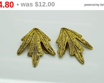Vintage Dauplaise Gold Clip on Earrings