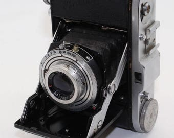 Balda Baldinette 35mm Film Folding Camera with case – Very good condition and tested c.1951