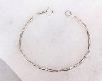 Sterling Silver Bar Bracelet / Delicate Silver Bracelet / Silver Chain Bracelet / Bridesmaids Gift / Dainty Bracelet / Circle Bracelet /