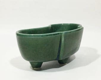 Green Kidney Shape Footed Planter Vintage USA Pottery 402 Three Footed Dish