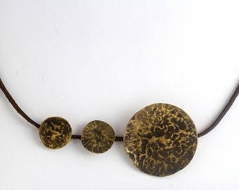 Hammered textured round geometric necklace