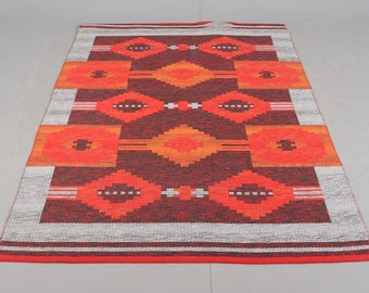 Vintage Swedish flat weave kelim rolakan wool red rug in reversable colours 201 x 138 cm