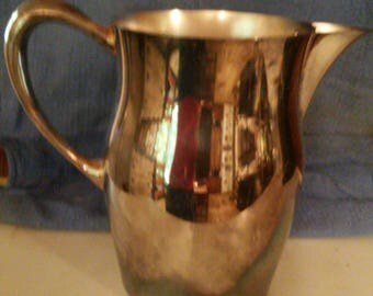 Sheridan Silverplate Vintage Age Water Pitcher with Ice Guard