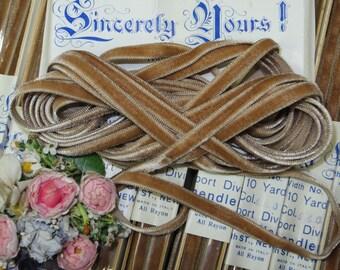 "1.00 yd  Beige CAFE AU LAIT 1/4"" French Velvet Ribbon Antique Ivory  Boho Choker Necklace Jewelry Doll Dress Millinery Hat Trim Work Vintage"