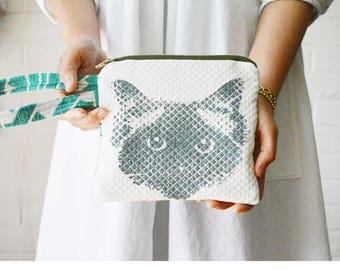 Ragdoll Birman Pickle Cat Face Hand-printed Curacao Green Wrist strap Zipper Pouch