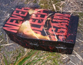 Never Sleep Again blood-splatter black wooden coffin w. sound effects