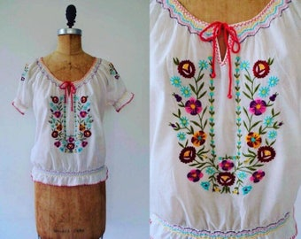 Vintage 70s Hungarian blouse, embroidered blouse, peasant blouse, 70s hippie blouse