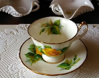 Majesty The Queen Manufactures of Paragon Fine Bone China England By Appointment to Her Majesty The Queen Teacup and Saucer