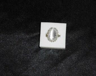 White wedding ring line