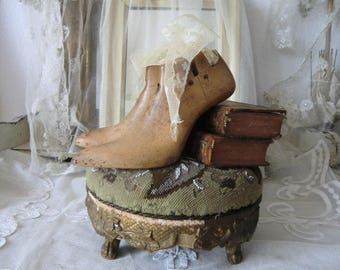Granny wooden shoe lasts antique Vintage french shabby style JDL