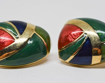 Beautiful gold tone earrings