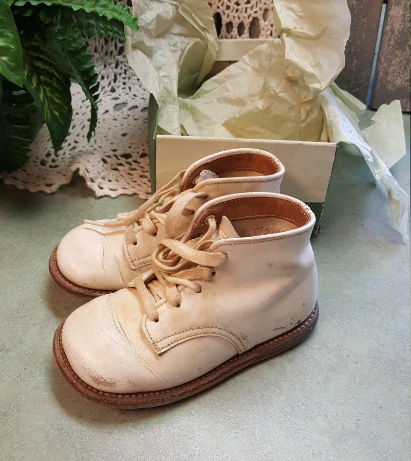 vintage stride rite baby shoes leather white high top lace up