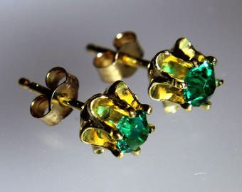 Vintage K&L Yellow Gold Plated Emerald Paste Buttercup Flower Stud Earrings