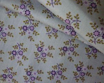Floral cotton patchwork fabric grey purple, mauve - 25 X 110 cm - fabric American Quiltreasures