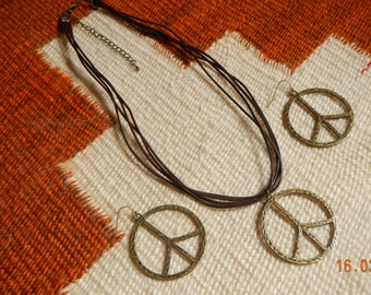 Old-goldtone Peace Sign Brown Ribbon/Corded Necklace w/Matching Earrings