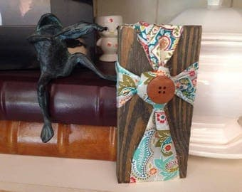 SMALL Farmhouse Style Fabric and Wood Cross Decor - Rustic Fabric and Wood Cross - Rustic Wood Decor - Shabby Chic Fabric & Wood Cross Decor