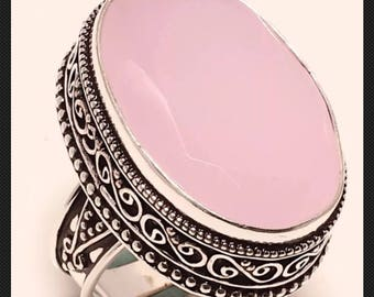 Pink chalcedony-set in  vintage setting size 8.3/4