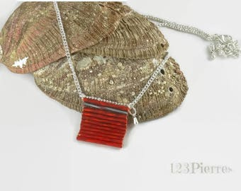 As a tiny handbag - Red necklace in twisted glass tubes and silver details - An 123Pierres jewel
