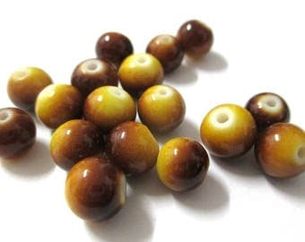 10 two-tone Brown and yellow glass beads 8mm