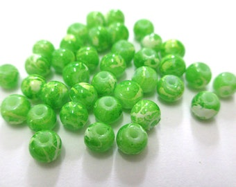 20 green beads, white painted glass 4mm (A-28)