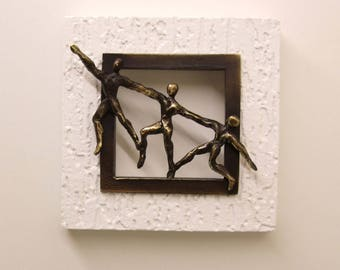 Wall frame with 3 characters 14 X 14 cm