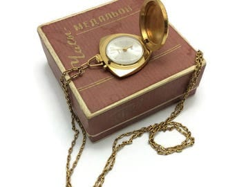 Vintage Russian Ladies Watch pendant gold plated AU ZARIA 2009B Zarja 21j box passport Penza factory White pearl dial Perfect gift for her!