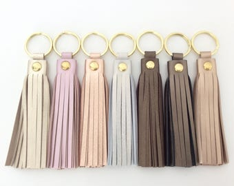 Leather tassel keychain.Leather key fob.Leather tassel charm.Purse charm.Leather Accesory gift.Personalised leather keychain.Metallic Gold.