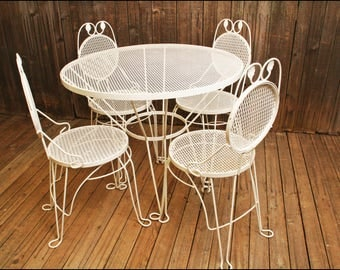 Vintage ROUND PATIO TABLE & 4 Chairs Set mid century modern metal mesh porch 50s 60s woodard white