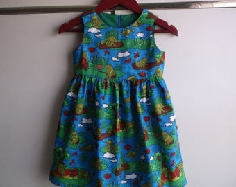 Frogs at play dress