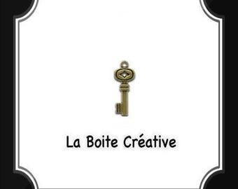 BRONZE key charm PENDANT key ANTIQUE metal 3 cm