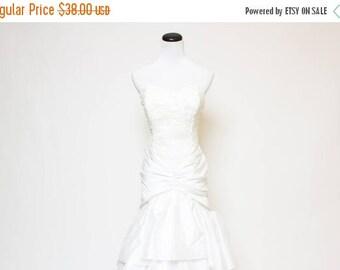 25% OFF Vtg 80s White Sequin Ruffle Sweetheart Layered Dress S
