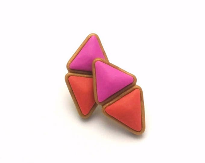 CLEOPATRA STUDS// Handmade pink and coral, double pyramid, geometric polymer clay stud earrings // Unique gold trim studs// #SE1011A