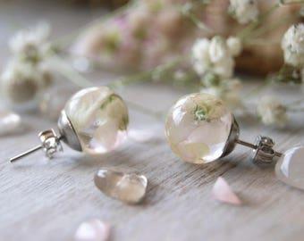 Women resin jewelry, Wedding nature earrings, Botanical jewelry, Real flower earrings, Nature lover gift, Eco Terrarium, Flower Resin sphere