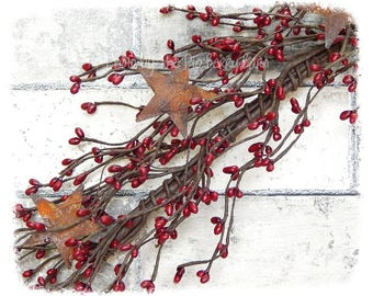 Pip Berry Garland, Rusty Star Garland, Red Berries, Red Berry Garland, Country Christmas, Wreath Making, Country Decor