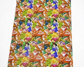 """Tissu Coton imprimé thème """" Blanche-Neige et les sept nains """""""