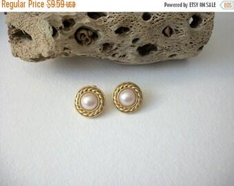 ON SALE Vintage CAROLEE Stamped Gold Tone Faux Pearl Earrings 82116