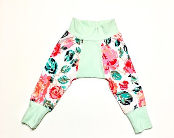 Bigg Butt Baby Pants - Size 6-9 Months - Digital Flowers