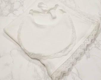 Lace bib/Pom Pom Bibs/baby bibs/modern bibs/geometric bibs/baby bib modern/baby bib bandana/ black and white bib/baby accessories/drool bibs