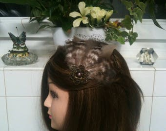 Headband shabby bronze,brown grey feather,metal flower, Larvkit beads/serre tete en plumes naturelles bronzes et marron, perles Labradorite