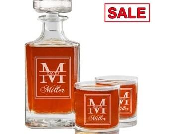 Engraved Whiskey Decanter, Personalized Whiskey Decanter Set, Rocks Glasses, Groomsmen Gift, Husband Gift, 26 oz Glass Decanter